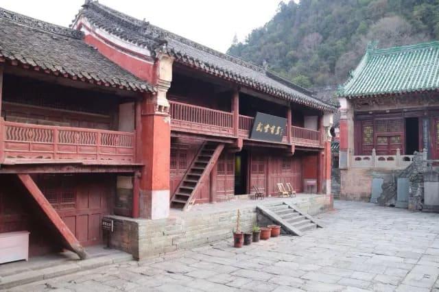 Храм наследного принца
